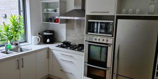 U shaped Kitchen in Pyes Pa